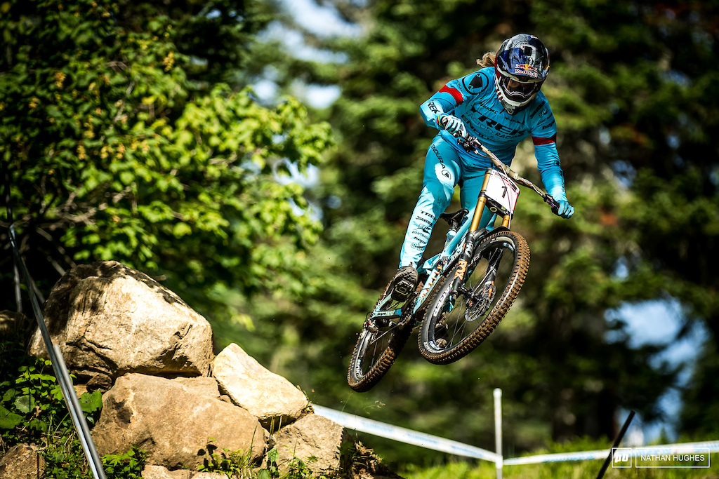 Rachel Atherton rose to Seagrave s qualie challenge taking the win by a convincing 5 seconds.
