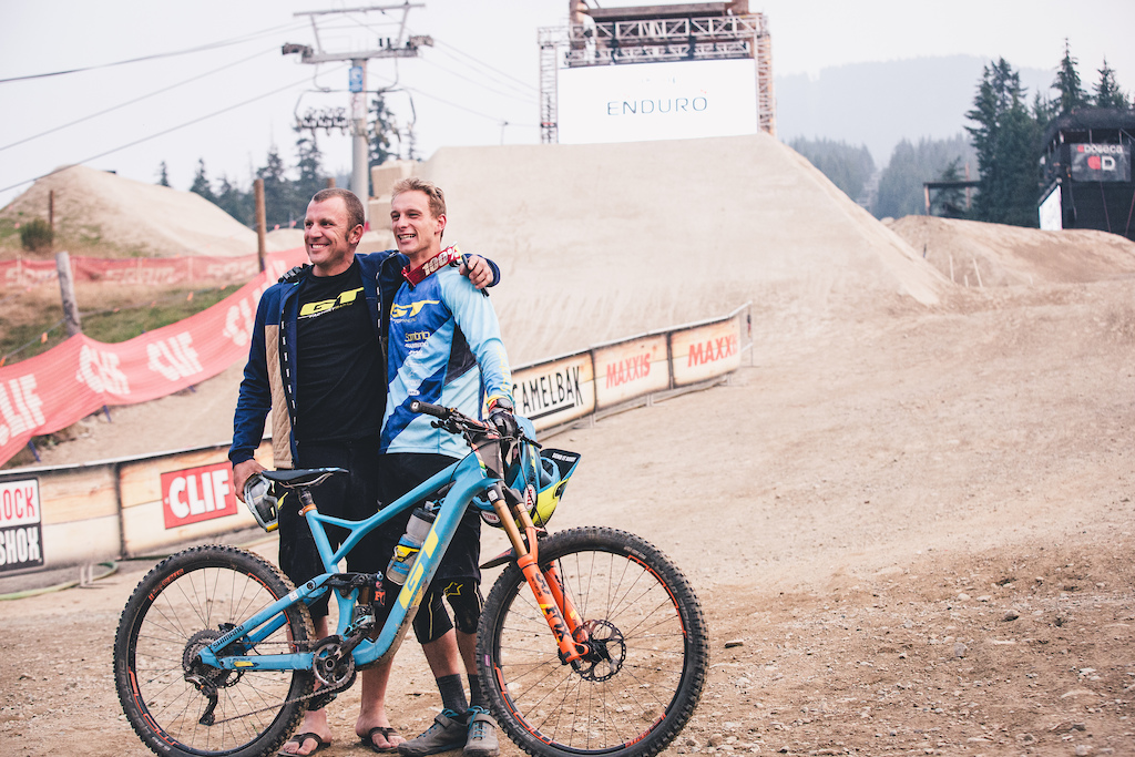 Well Deserved After years of bad luck Martin Maes and GT Factory Team Manager Mark Maurissen take a moment to appreciate Martin s big win at the Whistler EWS photo Peter Jamison