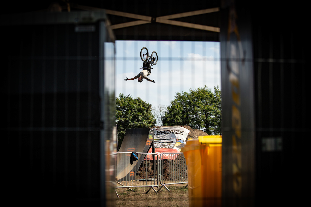 Flip No Hander at Dirt Wars Llanelli