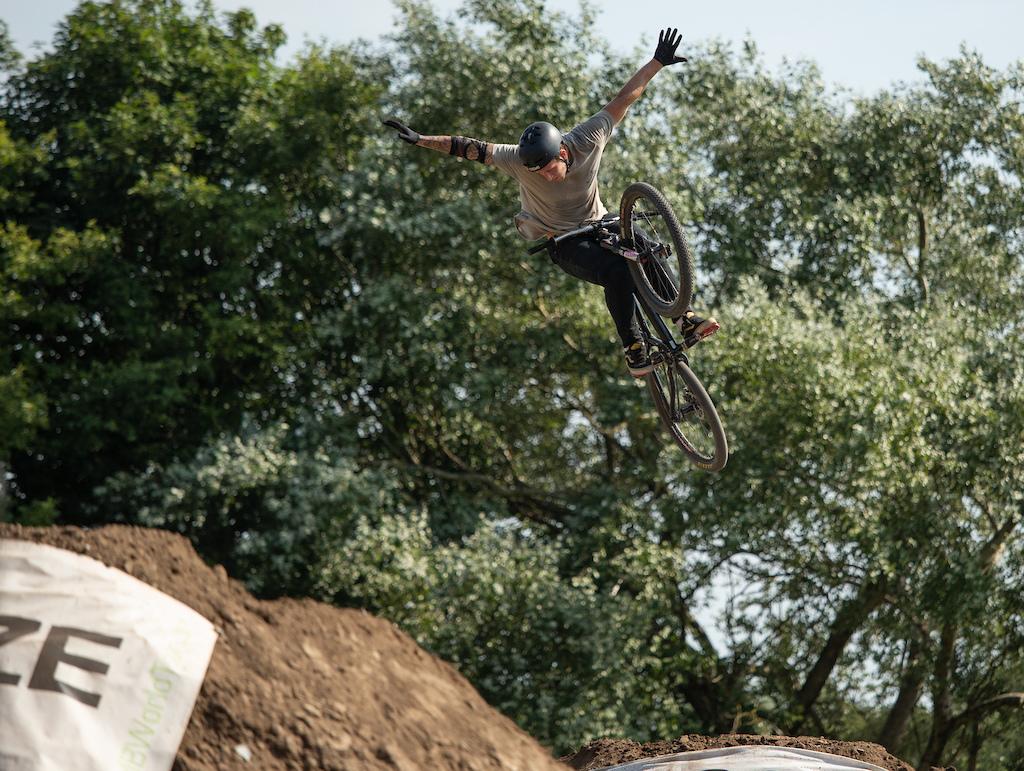 360 Tuck no hander at Dirt Wars Llanelli