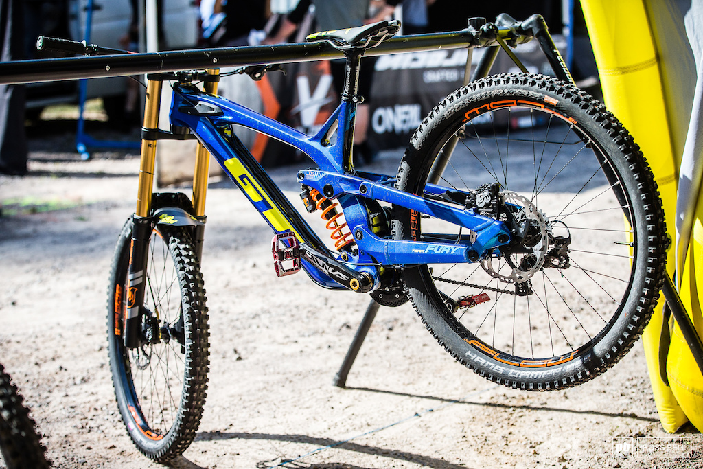 Fresh off the back of winning the whistler EWS Martin Maes is back racing downhill.