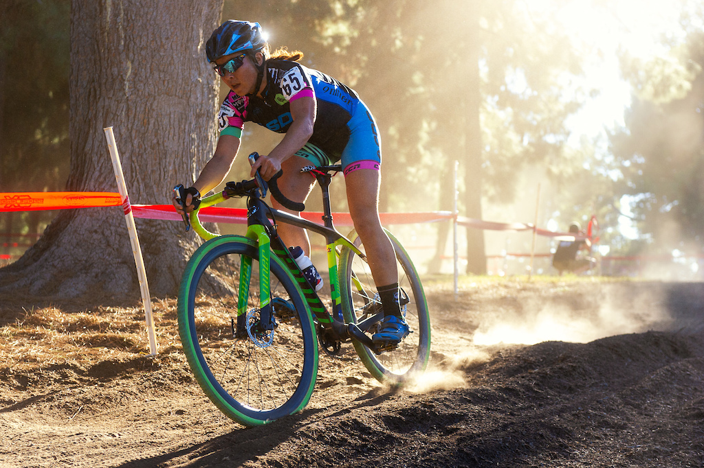 Team SDG Muscle Monster s Amanda Panda Nauman races in the dust at CXLA.