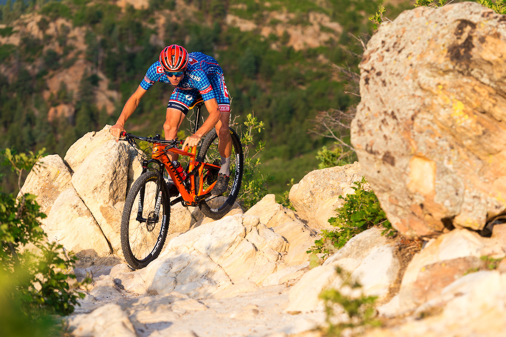 Russell Finsterwald rides his Niner RKT 9 RDO on a trail near Colorado Springs