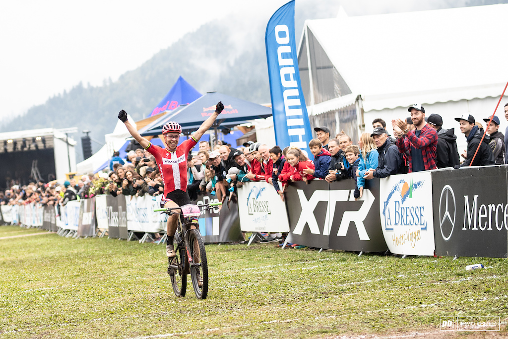 Annika Langvad took the win with a huge margin. She seemed to struggle on the XCO course though so let s see whay Sunday s race will bring.
