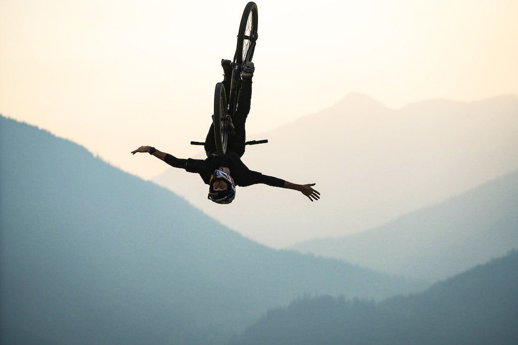 Slopestyle evening practice session