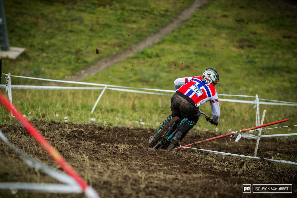 Brage Vestavik was around and decided to race what played out pretty well for the young MS Mondraker rider