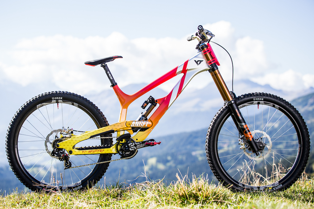 7660ada6150 Pinkbike Poll: 39 Custom Painted DH Bikes - Which One is Your ...