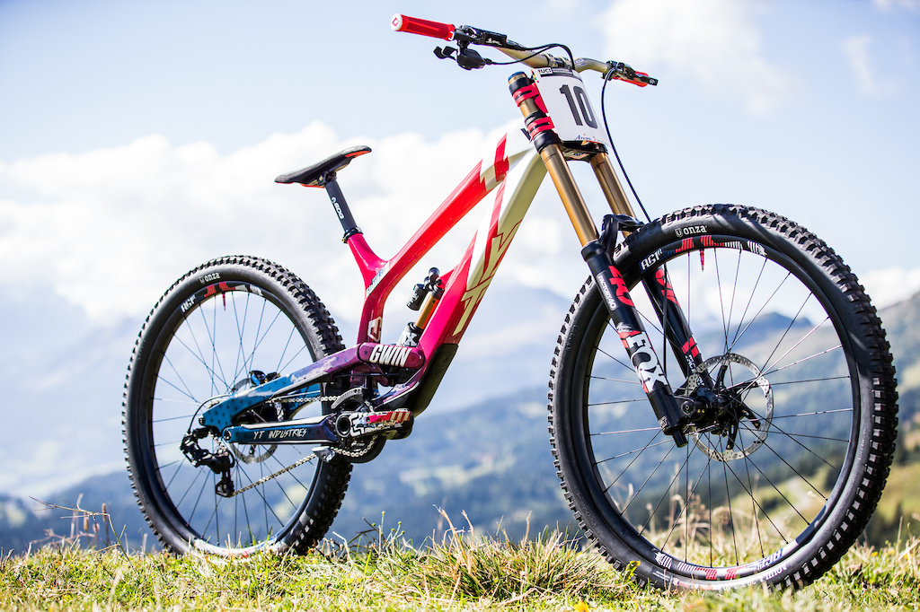 DH World Champs bikes 2018