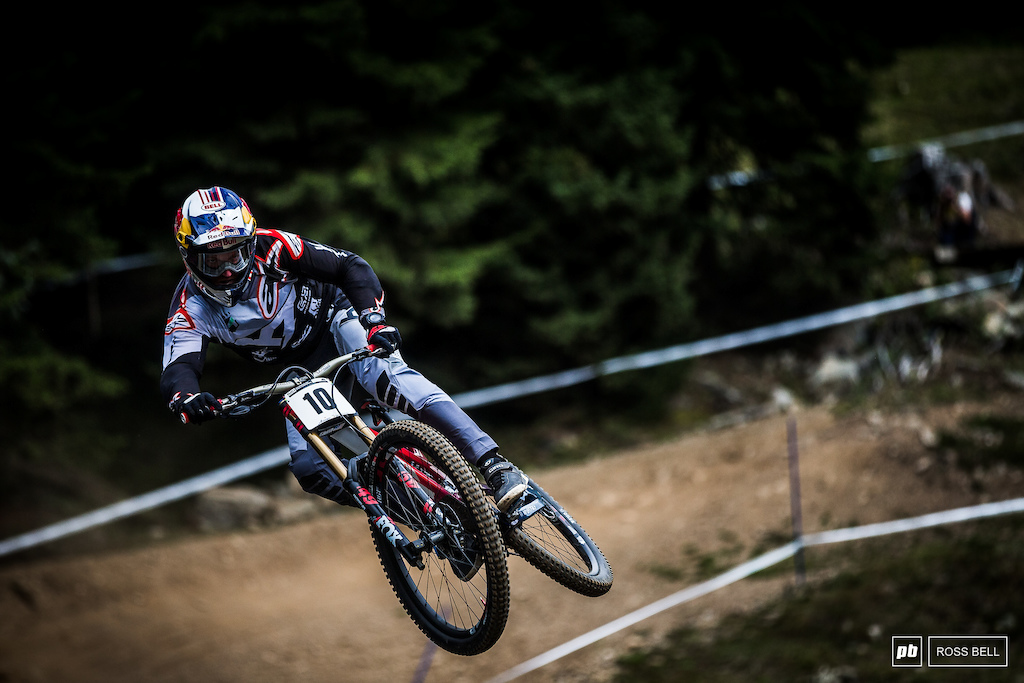 Aaron Gwin lit up Lenzerheide last year before a flat tire in the closing moments of the track. He ll be hoping to right those wrongs and in doing so taking his first World Champs victory.