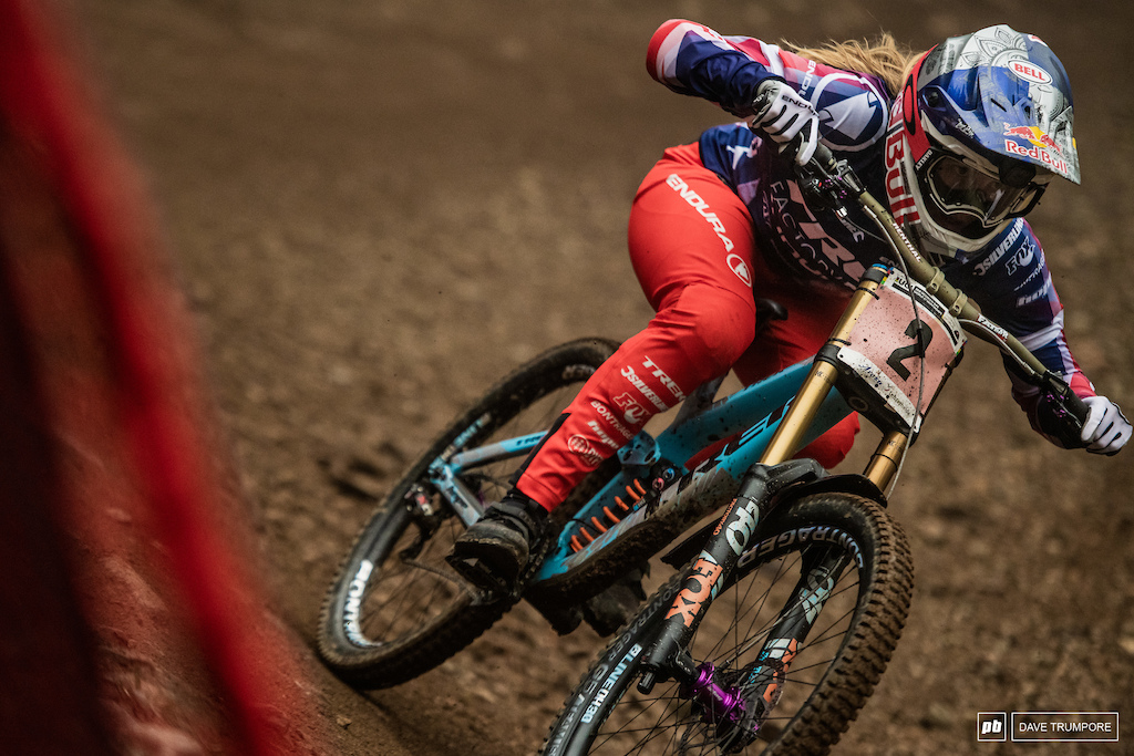 Rachel Atherton once again did what she does best and went fastest but just barely. Only 0.66 separated her and Tahnee Seagrave at the finish.