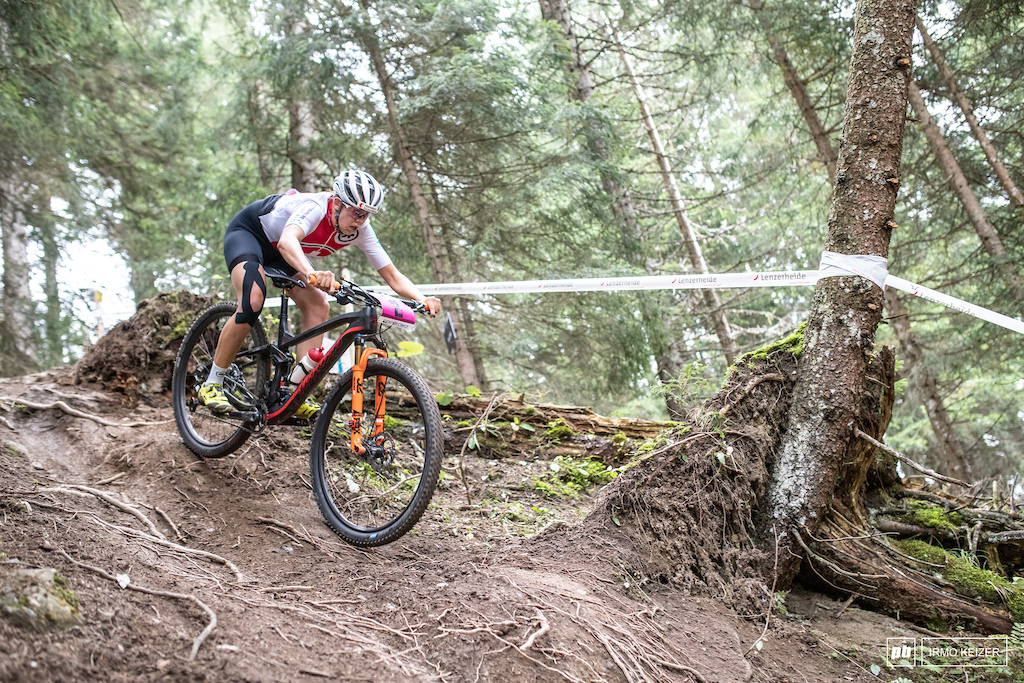 Alessandra Keller increased her lead in the last laps and rode to an impressive victory.