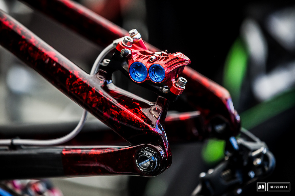 The Hope components on Kade s bike got the GB treatment too.
