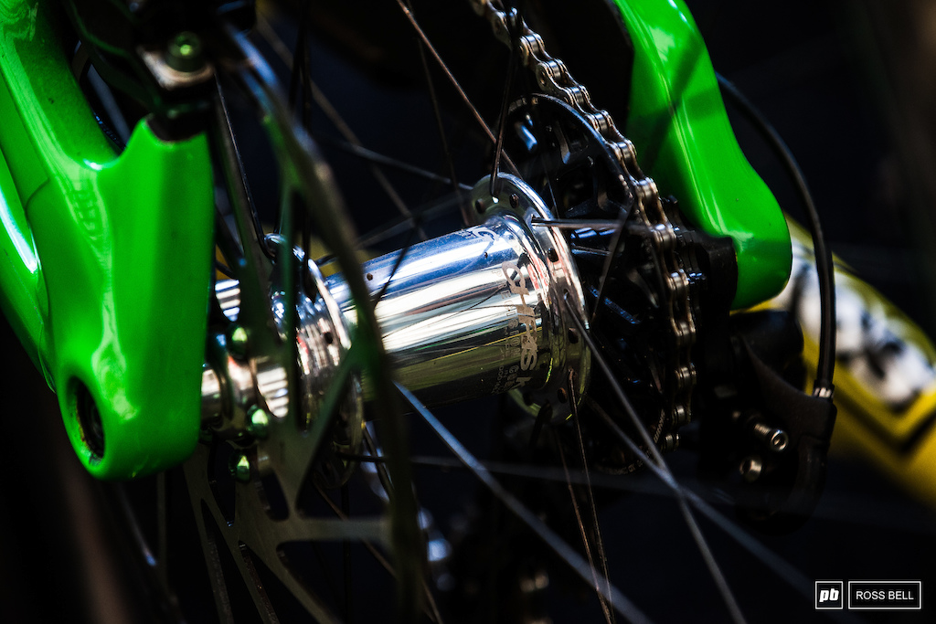 Chromed Chris King hubs and Aussied out ENVEs in the Intense pits.