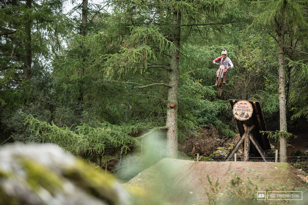 Gaëtan Vigé put himself out of rhythm on the last 3 jumps with a big pull out of the woods