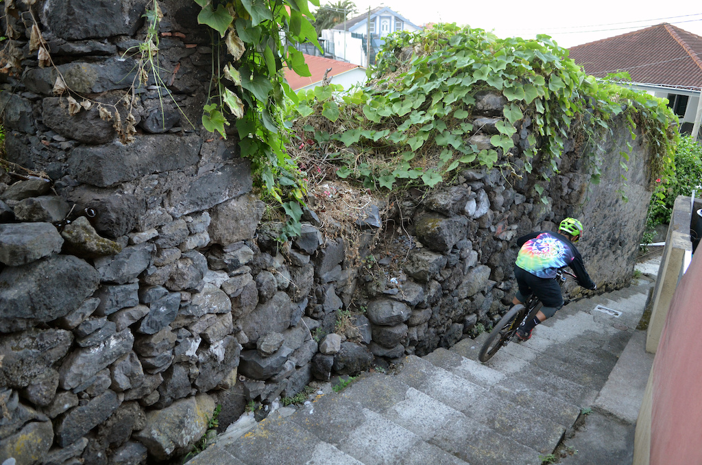 Volcanic rock walls on the watch