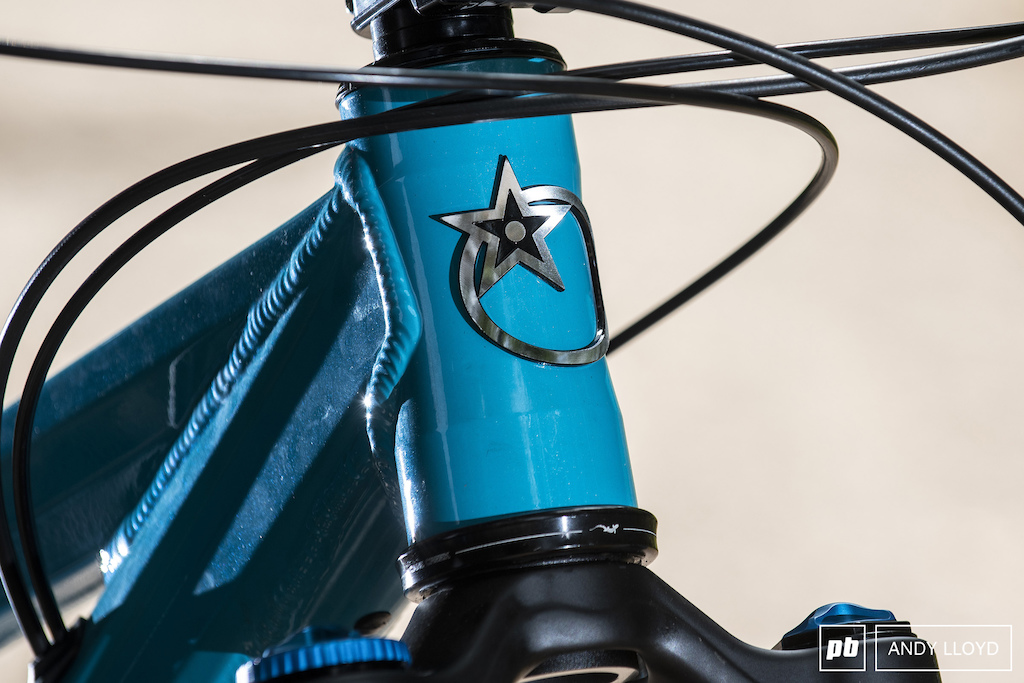 The Cane Creek headset did start to make some creaking noises after a few rides - a problem we ve experienced with this headset before.