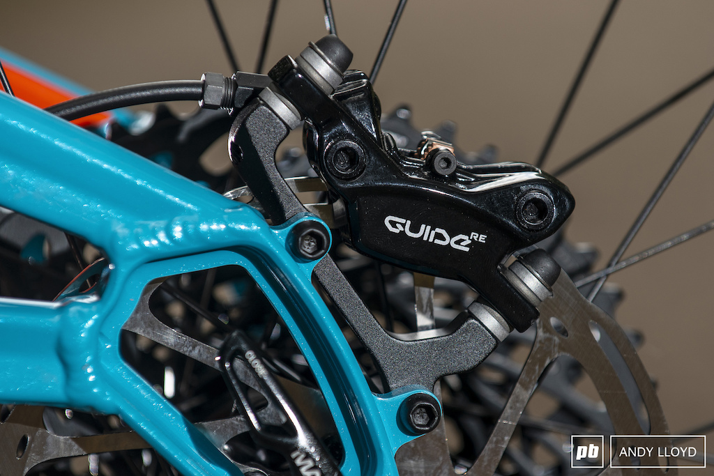 The Guide RE brakes use Code calipers matched to Guide levers - a combination the offers plenty of stopping power.