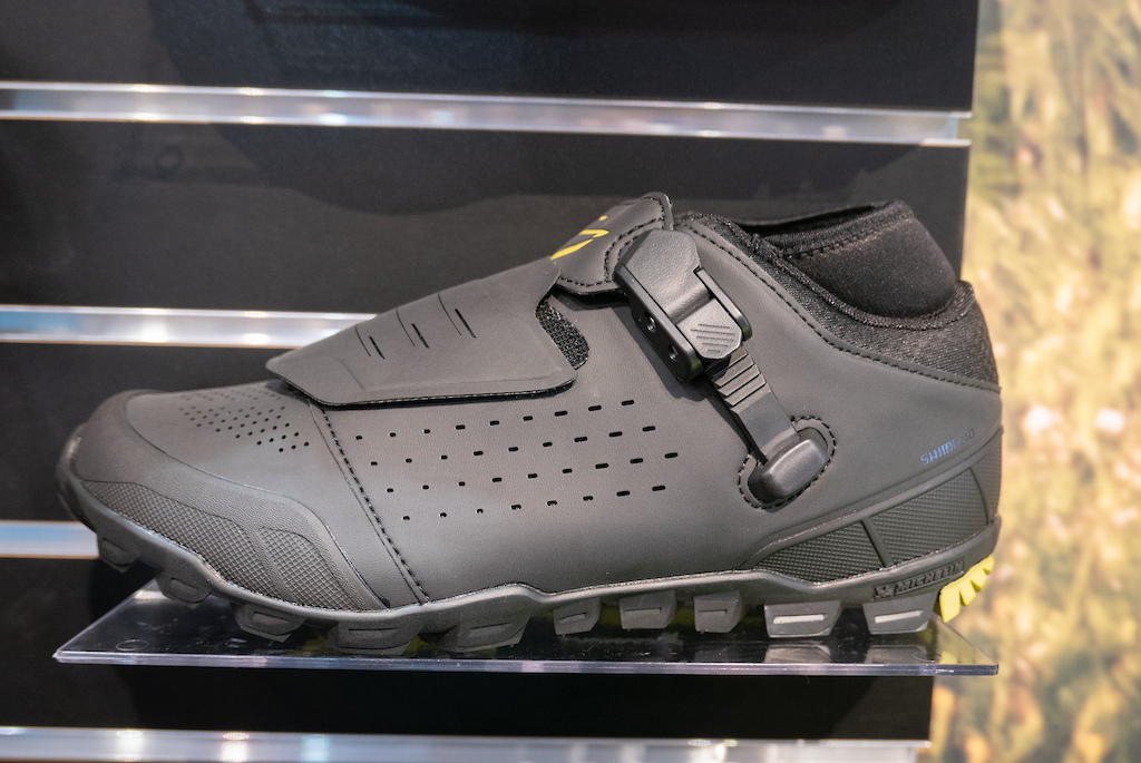 436a1d3681 Interbike 2018. The ME7 is still positioned as Shimano s high-end enduro  shoe