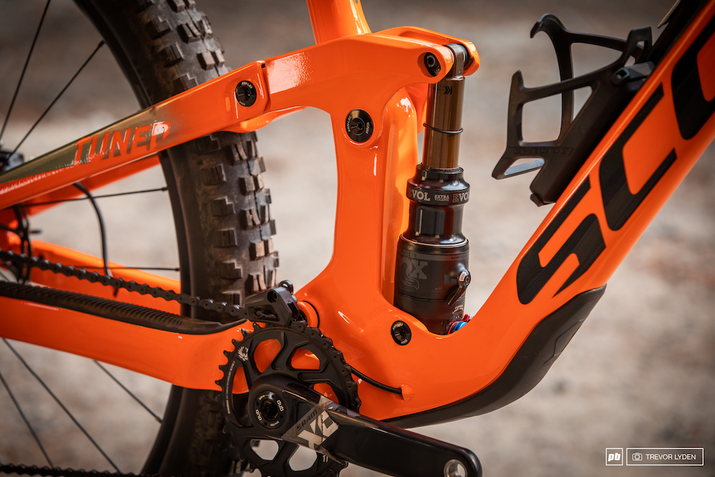 The tune on the Fox Nude TR EVOL shock is bang on despite being plugged into the TwinLoc system.