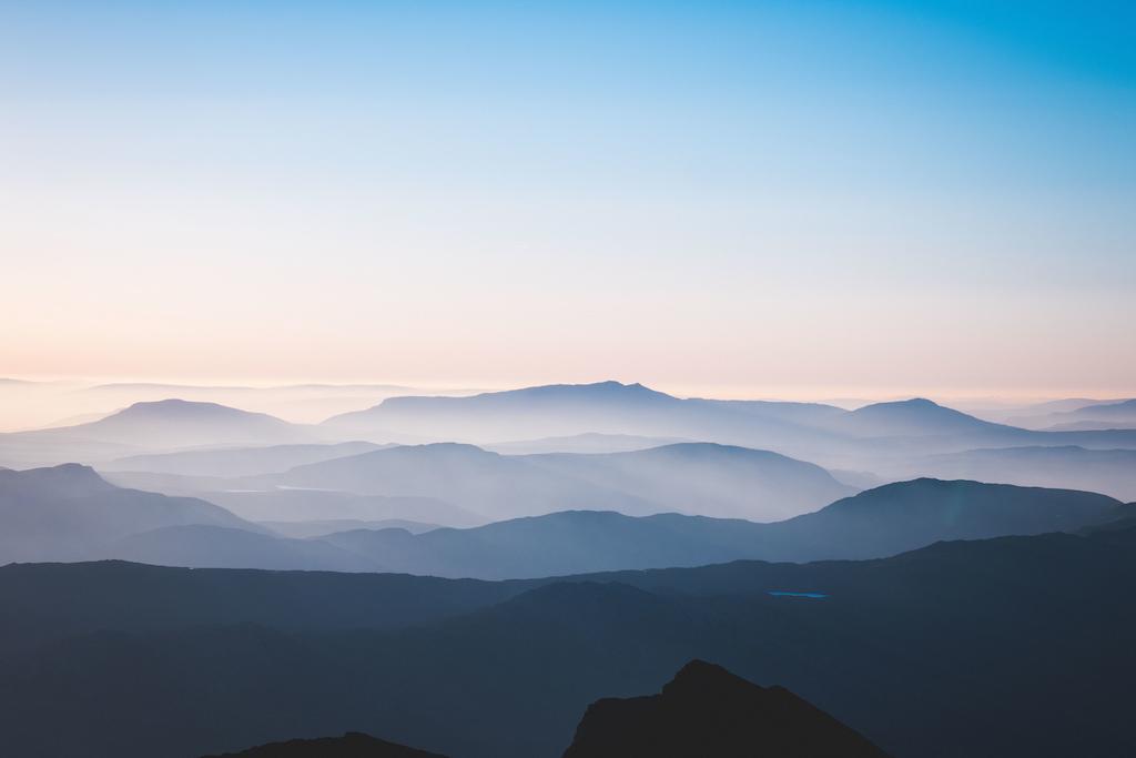 Morning light over snowdonia