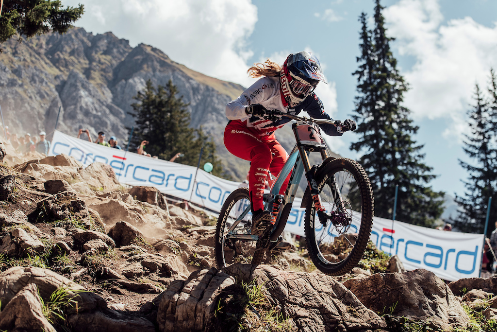 Rachel Atherton performs at the UCI DH World Championships in Lenzerheide on September 9th 2018 Bartek Wolinski Red Bull Content Pool AP-1WUPUBEQ52111 Usage for editorial use only Please go to www.redbullcontentpool.com for further information.