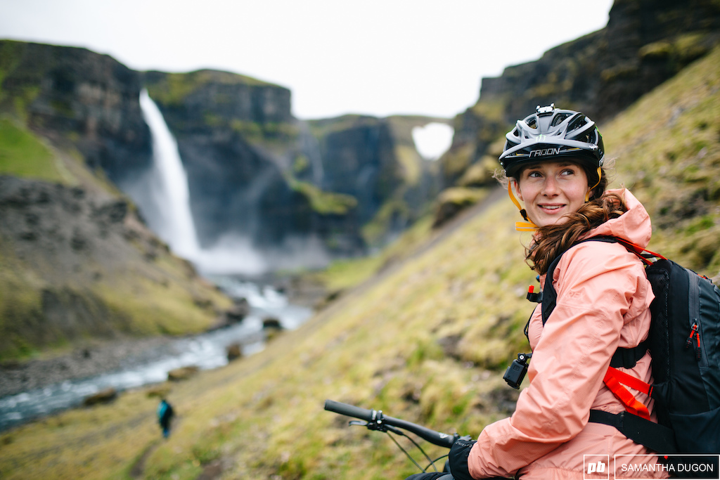 That face when you realise you get to drop into a trail that ll take you to a stunning Icelandic waterfall.