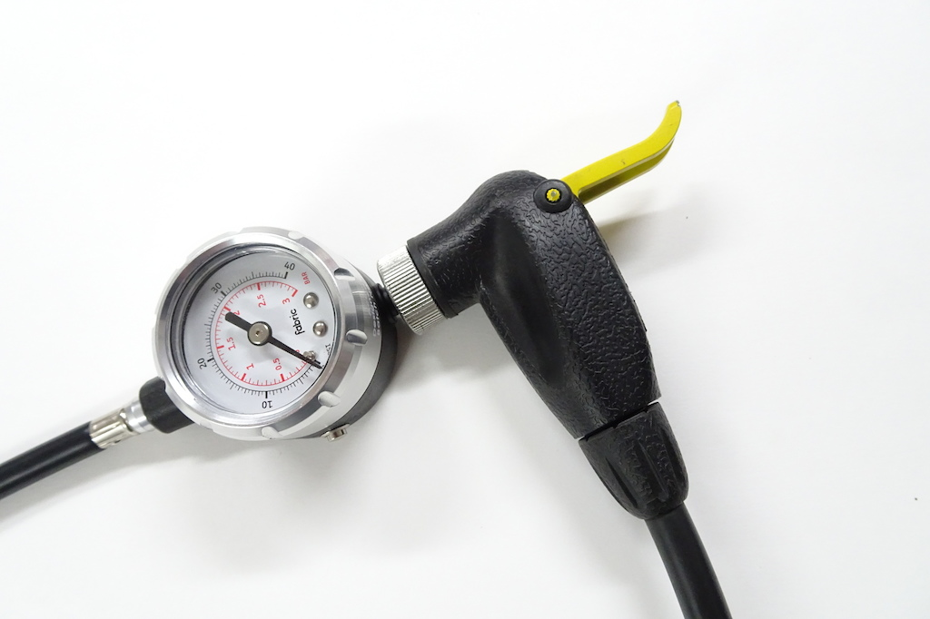 Fabric Accubar pressure gauge review