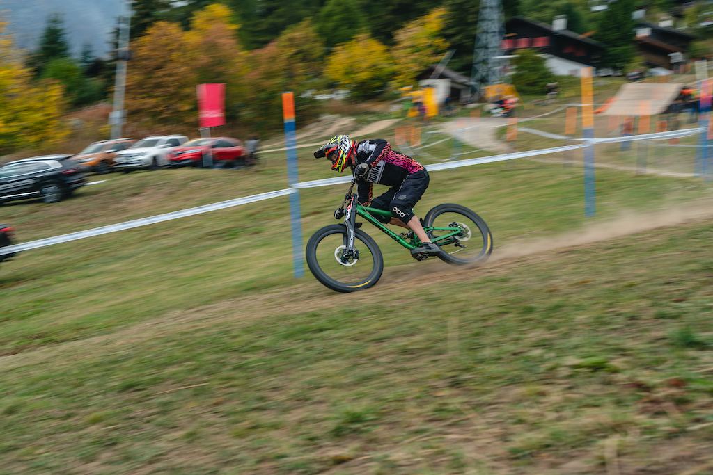 Heading for the finishline at the final round of the IXS DH cup in Bellwald /  pic by the one and only @ryandownesphoto
