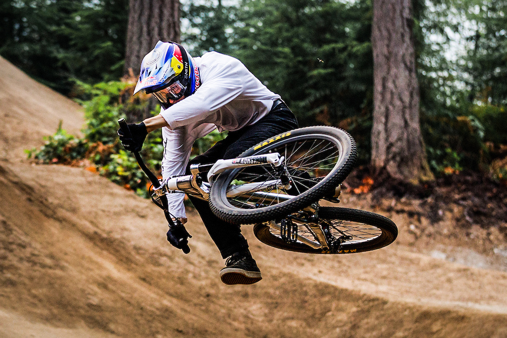 The Top 5 Most Stylish Mountain Bikers of All Time (According to Pinkbike) - Pinkbike