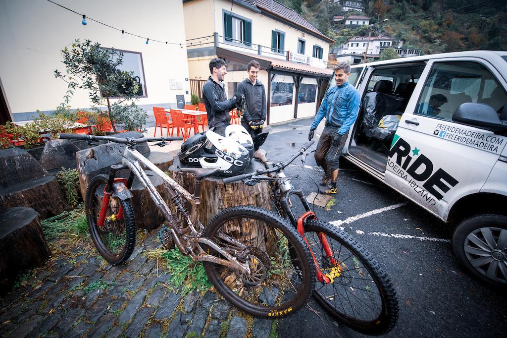 Pole Enduro Race Team Launch