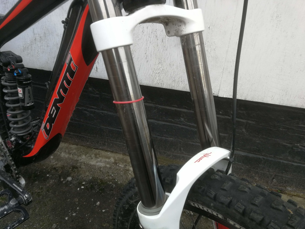 Identiti Mogul Medium DH bike Ex demo for sale