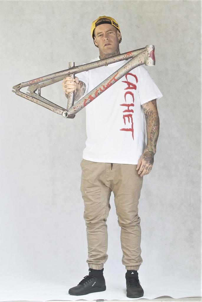 Cachet XX Frame