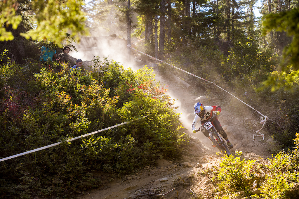 Racing the 2016 Crankworx Canadian Open DH race in Whistler Bike Park