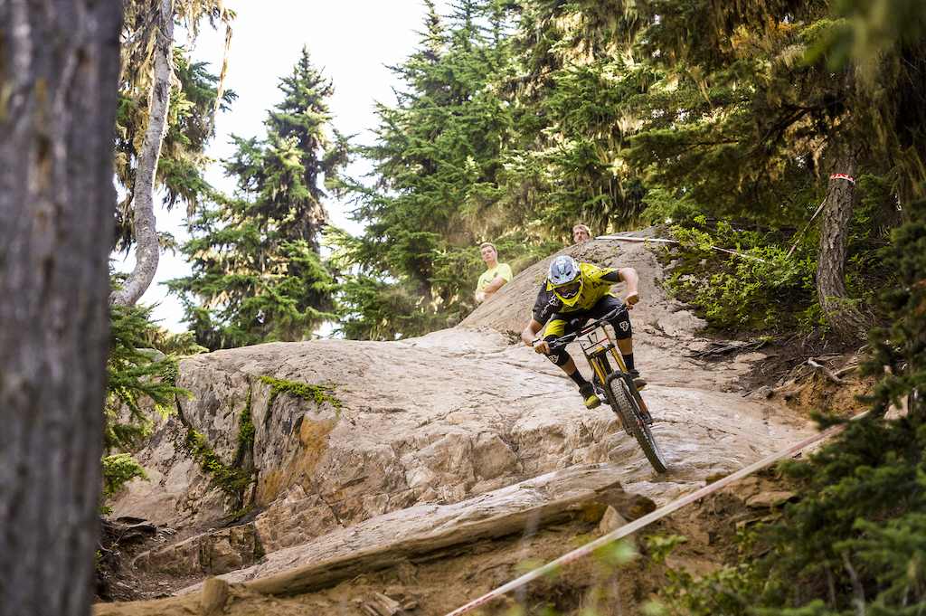 racing the garbo dh at the 2016 Crankworx festival.