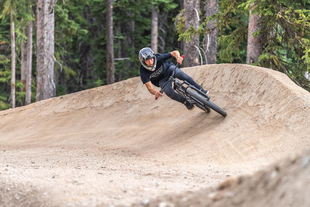 Photo Andrew Jay Bike Big White