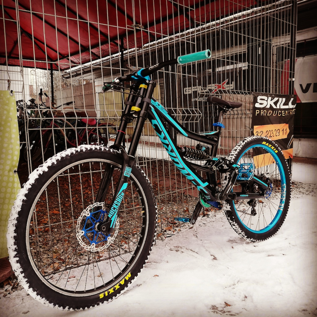 Custom Painted Specialized SX Trail 2011 fitted with a BoXXer RC
