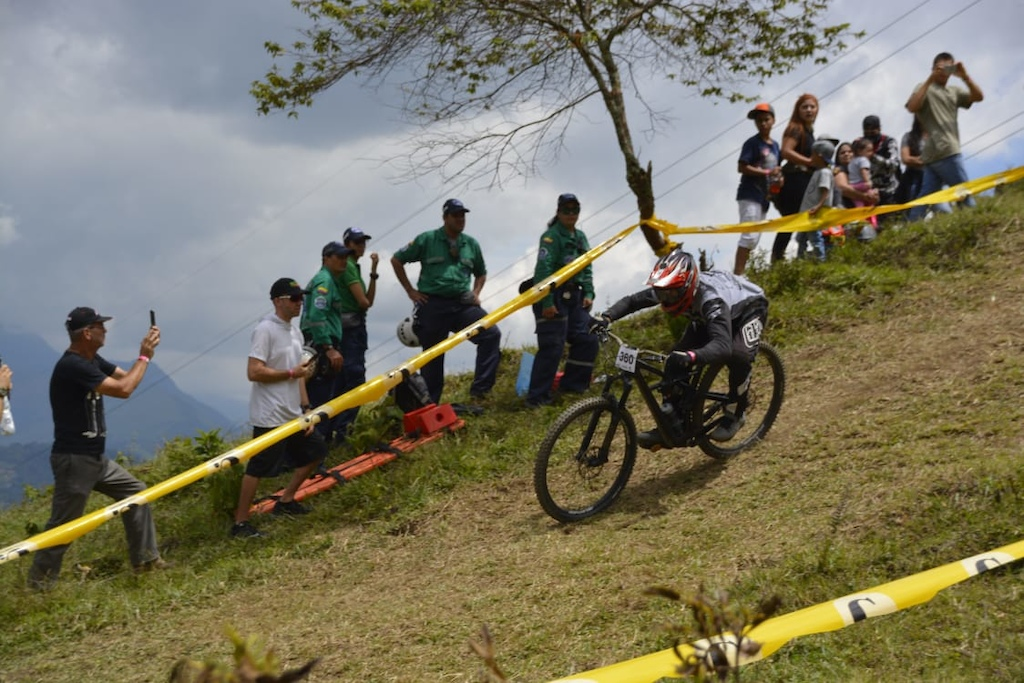 Dirt jump and enduro race in CR