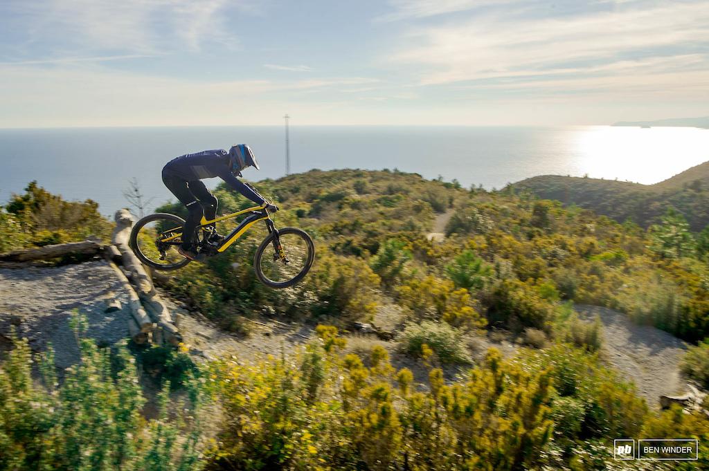 Mondraker Level Bike Test