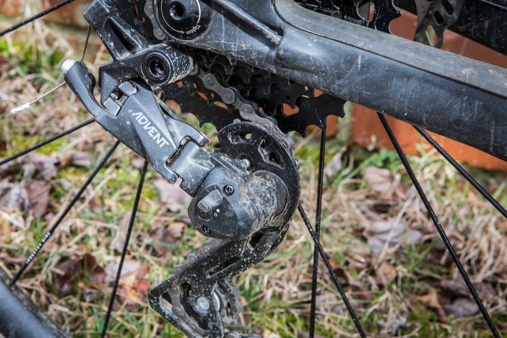 5949d9950ce The rear derailleur has a clutch that is easily switched off for wheel  removal.