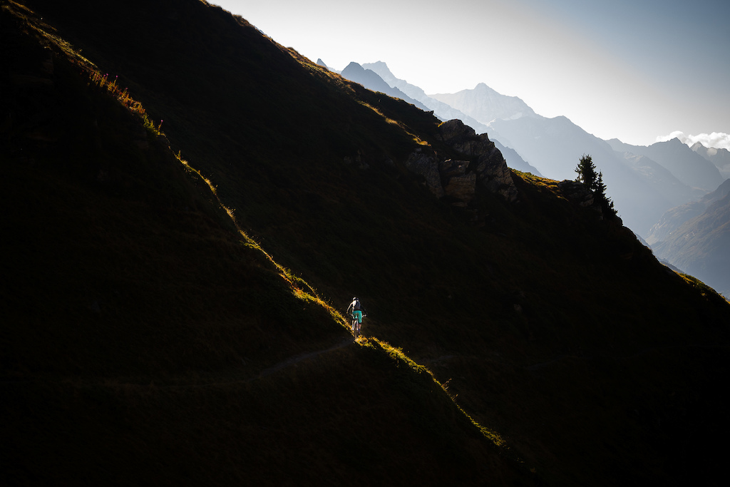 Our first descent down to Verbier turned out to be very rewarding, light- and trailwise!