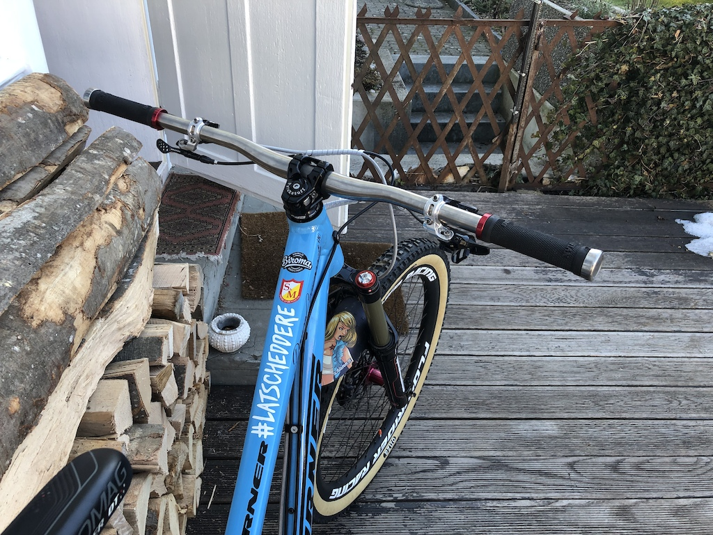 """ready for the next season equipped with BOS DeVille fork, Tune King/Kong hubs , RaceFace Turbine crank, MacRide Childseat spacer, Trickstuff Gandhi seatpostclamp & Deckele / """"Starnut"""", Hope Matchmaker & BikeYoke revive remote. Matchmakers & Brakeadapters will be anodized in black"""