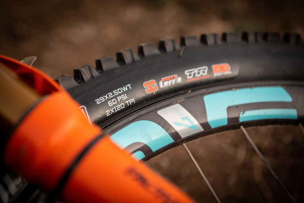 wide sticky and thick casing tires are the name of the game when trying to surviver Andes Pacifico.