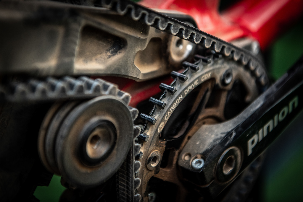 What will work better in the dust A chain or a belt drive