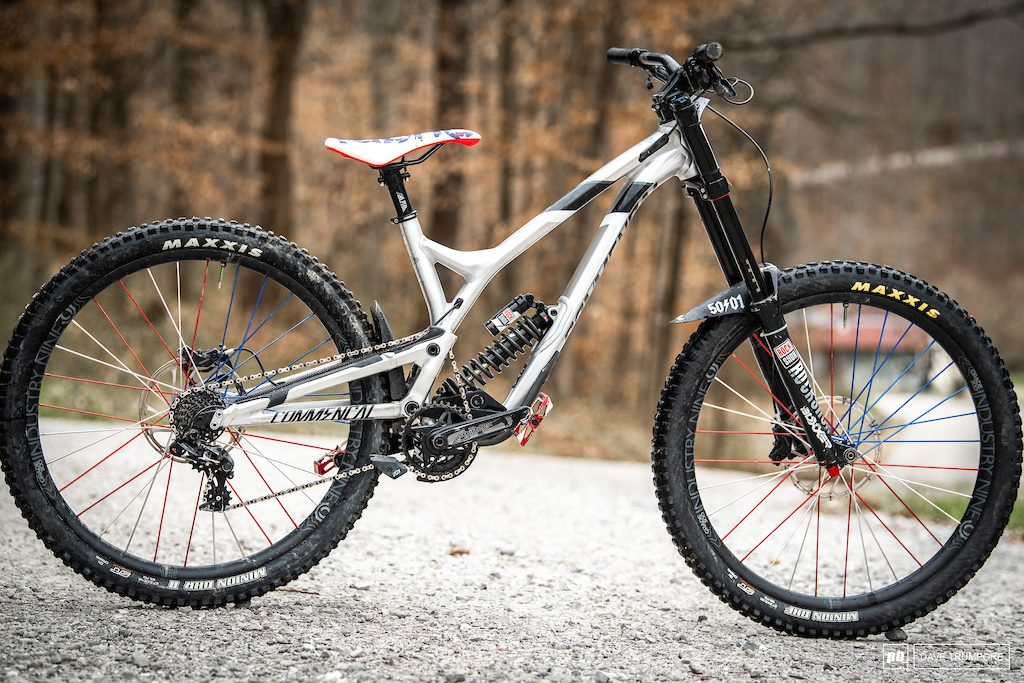 Samantha Soriano - The USA National Champ s Commencal