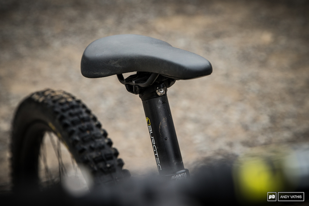 Fizik prototype saddle that is aimed at the gravity rider. It shorter out back for clearance yet comfortable enough to actually sit on with a durable material.