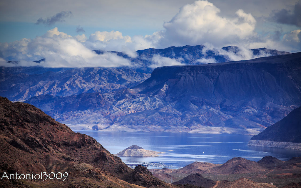 Lake Mead. Photo by Antonio Marroquin