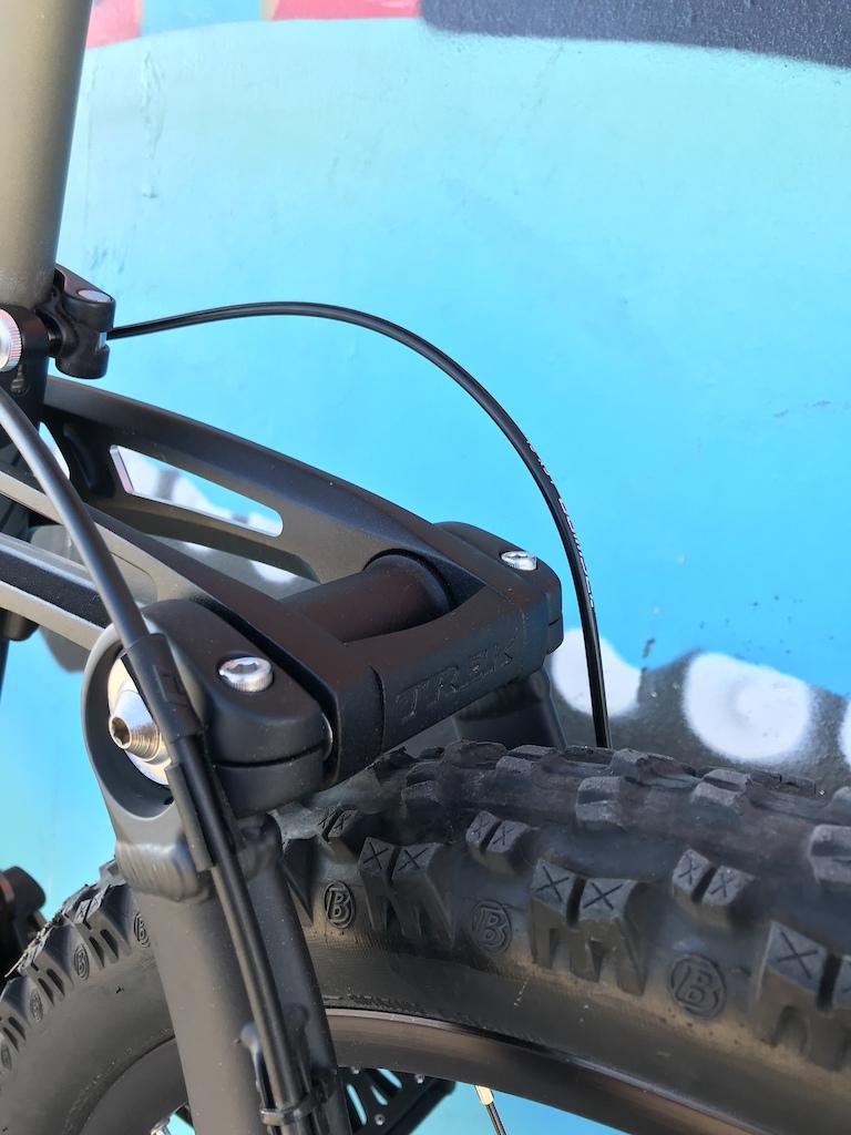 Trek session 7:)Sram x0:)Bontrager big earl:)Shimano xtr cassete titanium:)Manitou travis:) ULTIMATE PERFORMANCE:))))))