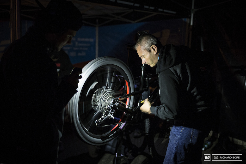 Most people arrived late on Friday night after a day at work. So here we are with a late night mechanics before the race