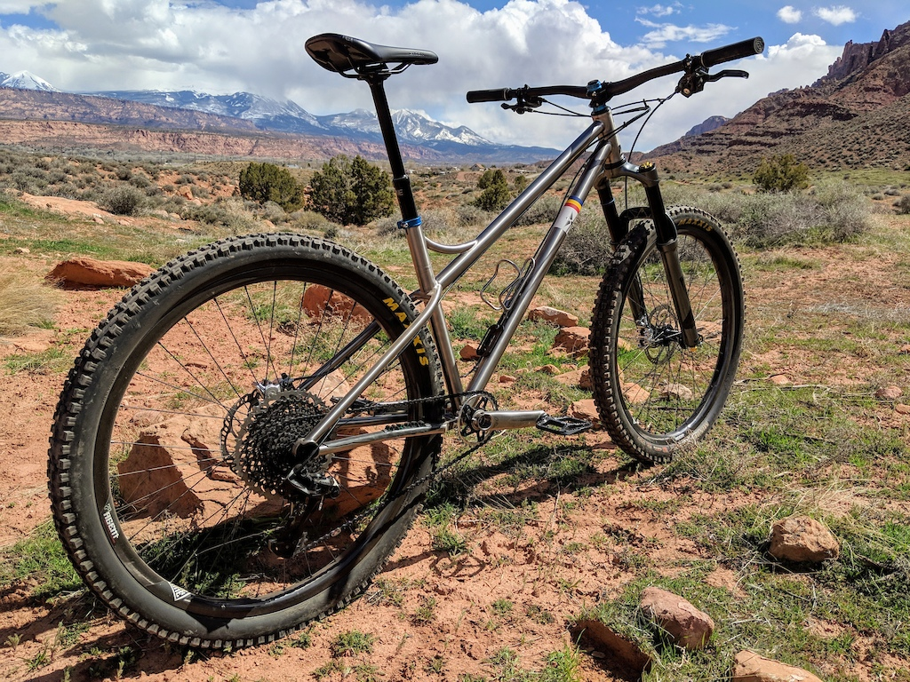 Finally unleashed on dirt, my Corvid Dirtsurfer.