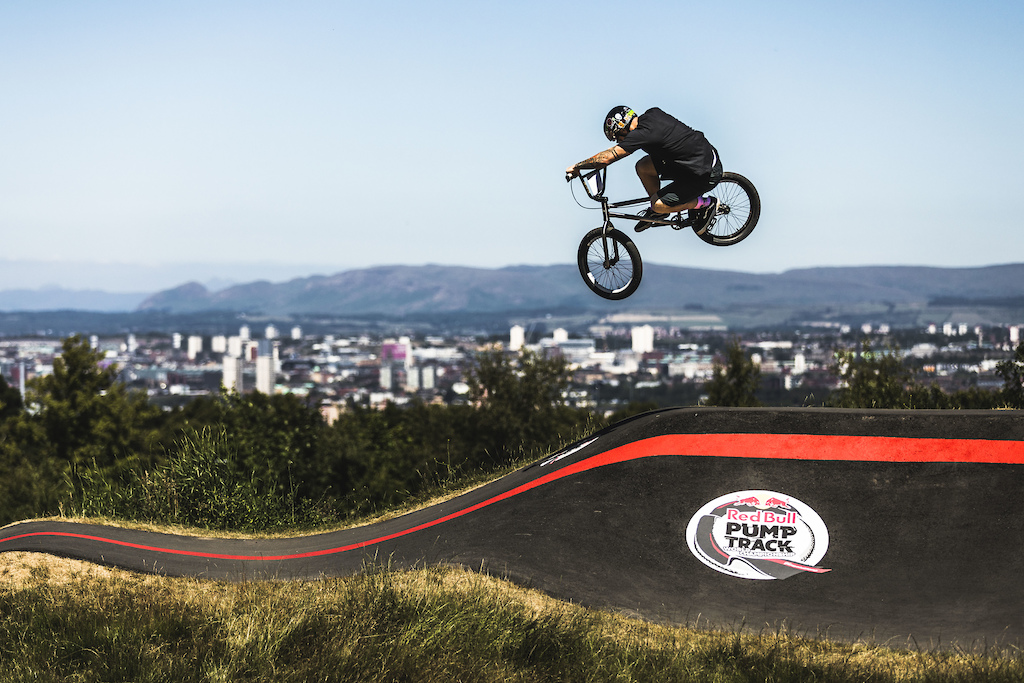 Participant performs during Red Bull Pump Track World Championship Qualifier in Glasgow United Kingdom on June 30 2018. Dan Griffiths Red Bull Content Pool AP-1W5DGP1ZN2111 Usage for editorial use only Please go to www.redbullcontentpool.com for further information.